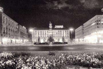 Napoli - Piazza Municipio