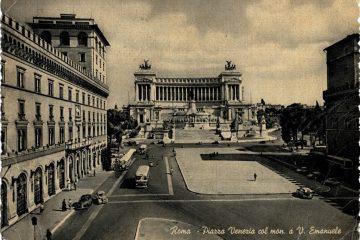 Roma - Piazza Venezia col monumento a Vittorio Emanuele